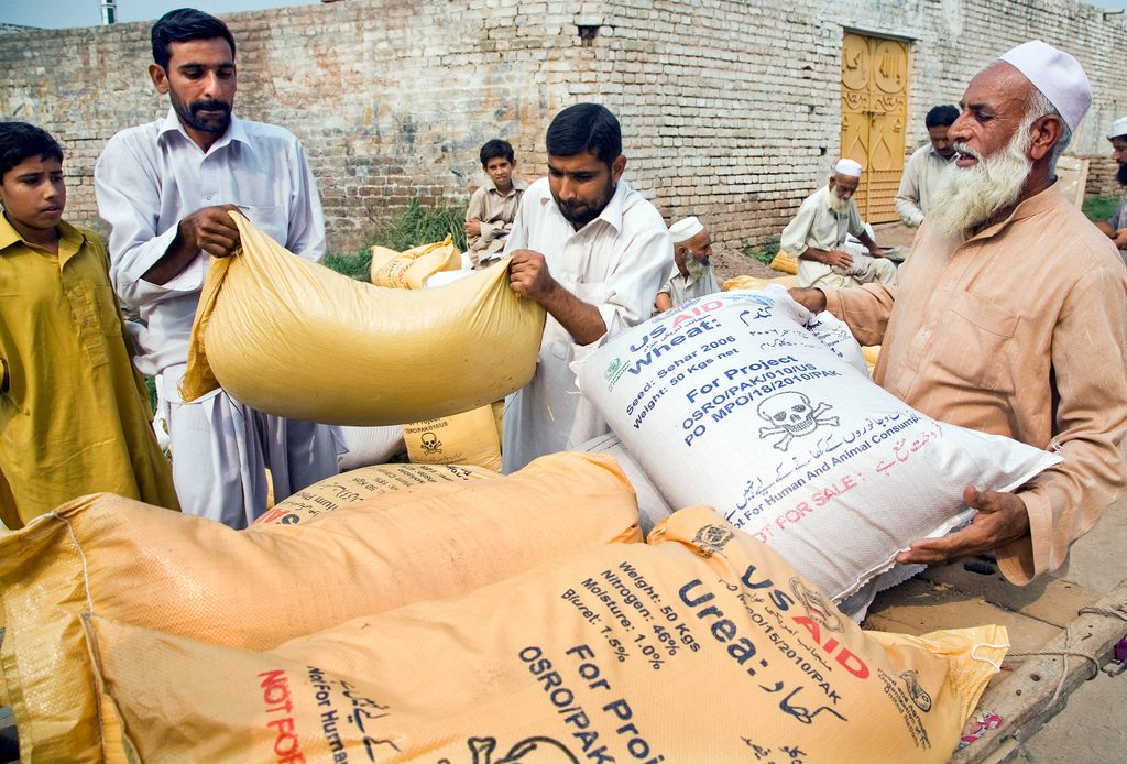 Food aid distributed in Pakistan